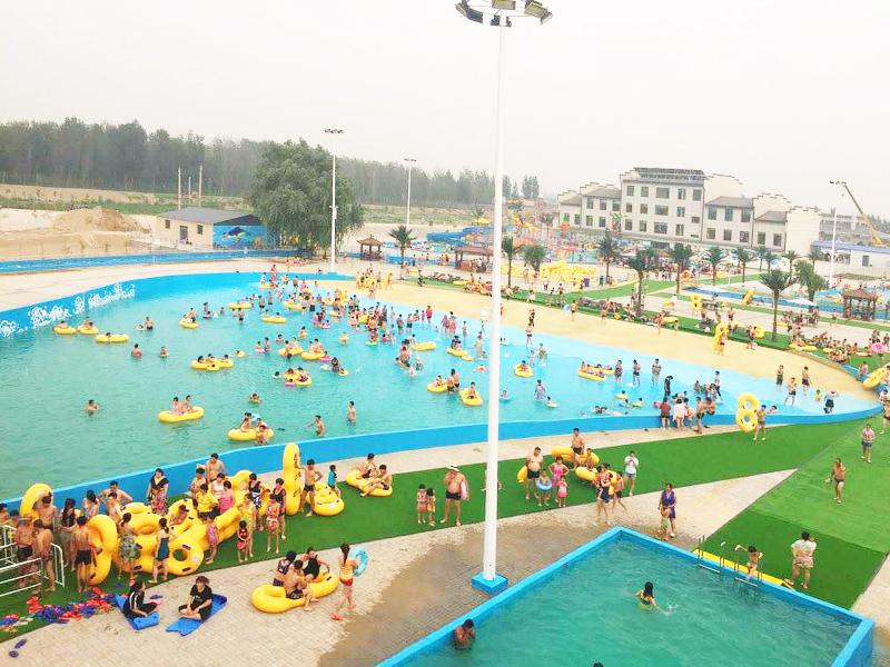 吉祥岛水上乐园位于迁安市杨各庄镇青山院村东500米(欧c草莓园西)